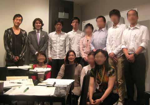 受講生の皆さんと 2011年10月